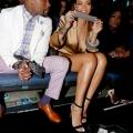Floyd Mayweather Jr. (L) and Rihanna