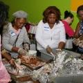 women-shredding-turkey