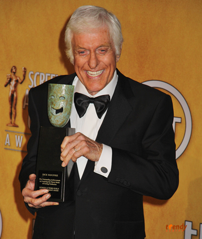 Dick Van Dyke backstage at the SAG Awards