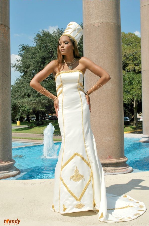 040_Queen-of-the-Brides_2012