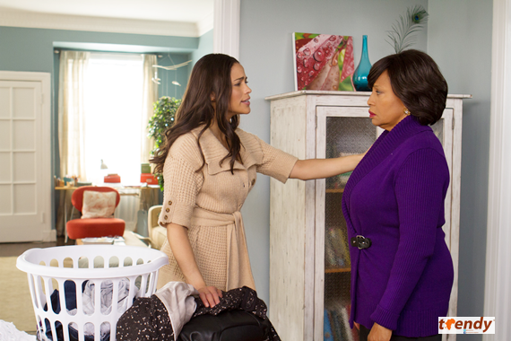 Paula Patton and Jenifer Lewis in Baggage Claim