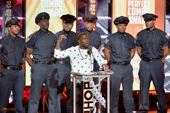 Presenter_Kevin_Hart_C_performs_onstage_at_the_BET_Hip_Hop_Awards_2013_at_Boisfeuillet_Jones_Atlanta_Civic_Center