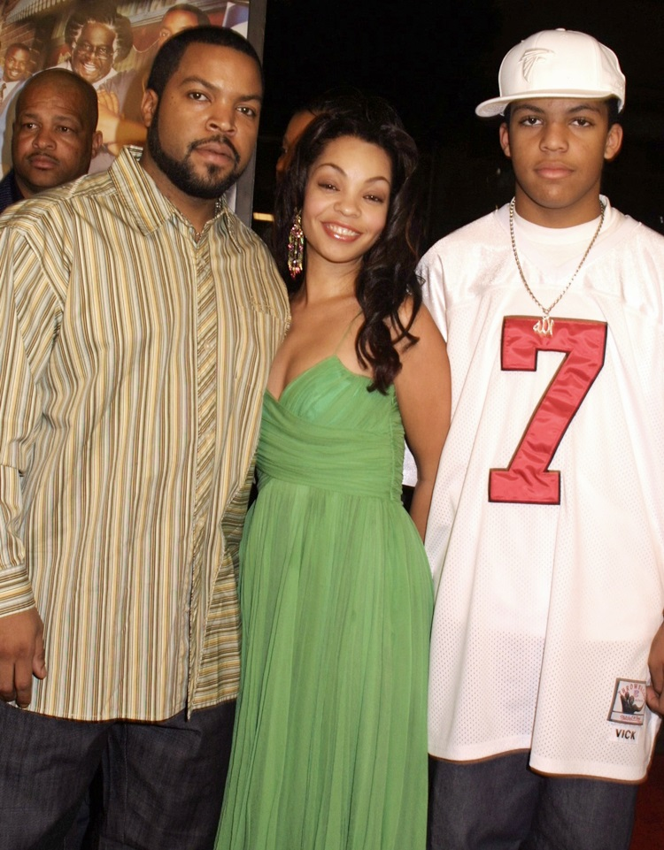 Cube with wife Kimberly Woodruff and son Darrel Jackson