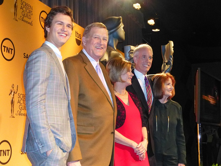 Ansel Elgort, SAG-AFTRA President Ken Howard SAG Awards Committee Chair JoBeth Williams and Vice Chair Daryl Anderson and SA (5)