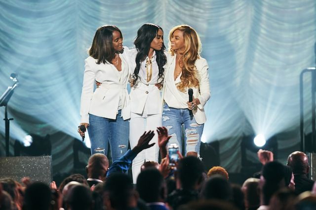 Michelle Williams, Beyonce_, and Kelly Rowland performing Say Yes