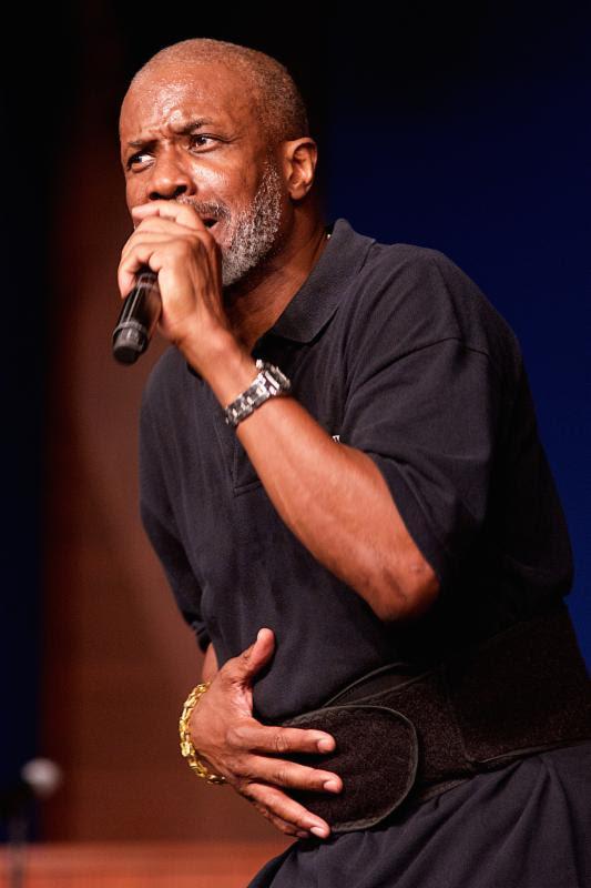 Bishop Noel Jones speaks to crowd at the Fifth Annual Long Beach Gospel Festival Photo credit: Earl Gibson III